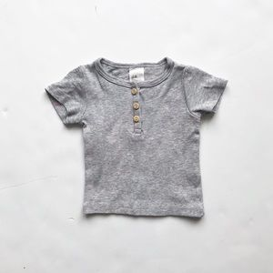 H&M gray short sleeve Henley top EUC 1-2 months